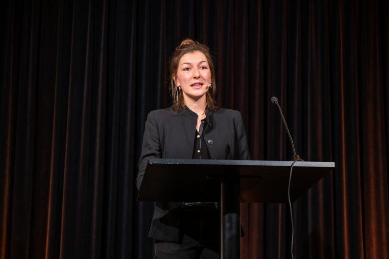 Basler Lyrikpreis 2019 für Katharina Schultens: Laudatorin Alisha Stöcklin © Ben Koechlin